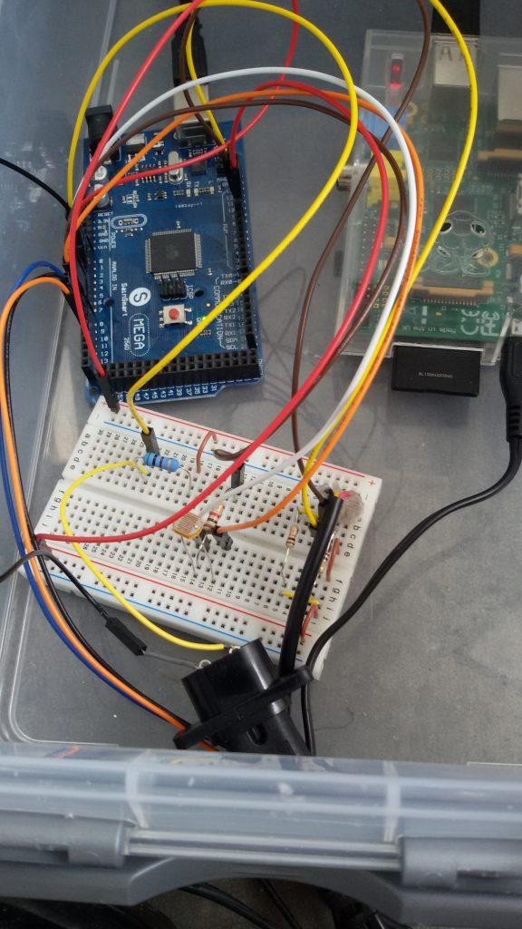 Arduino mit Anschluss aller Sensoren und serieller USB-Verbindung zum Raspberry Pi